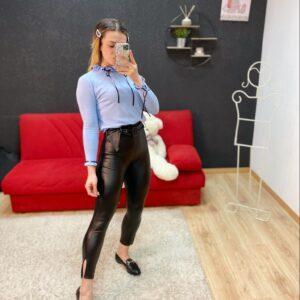 Pantalone in ecopelle con cinta