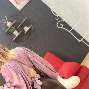 Blusa maxy manica e fiocco rosa