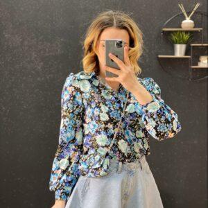 Camicia con pochette a fiori celeste