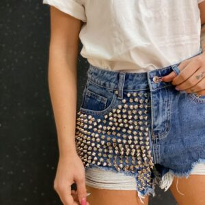Short con borchie