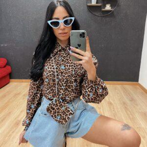 Camicia con pochette leopardata e stelle