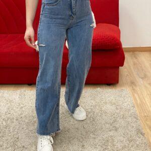 Jeans a palazzo con strappi