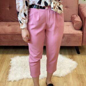 Pantalone con cinta rosa