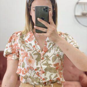 Camicia con maxy colletto con fiori