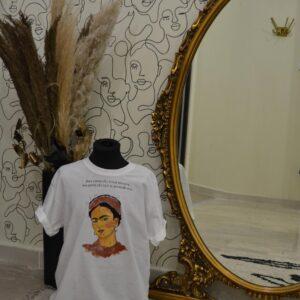 """T-Shirt """"Innamorati di te, della vita e dopo di chi vuoi"""""""