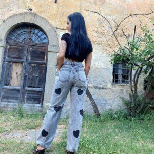 Jeans con cuori grigio