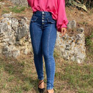 Jeans a vita alta con taschini